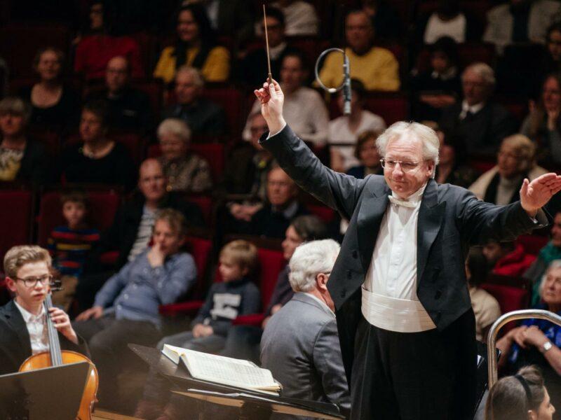 Friedrich Haider dirigiert. (c) Julia Müller