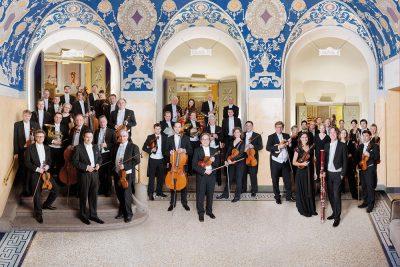 Münchner Rundfunkorchester mit Dirigent (c) Felix Broede
