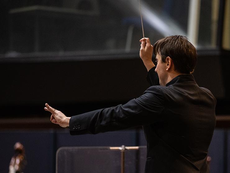 3. Sonntagskonzert 2020/2021 des Münchner Rundfunkorchesters im Studio 1 des Bayerischen Rundfunks. Stimmen der Liebe: Werke von W.A. Mozart (Credit: BR/Markus Konvalin)
