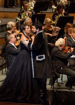 Manon Lescaut mit Yusif Eyvazov als Renato Des Grieux und Anna Netrebko als Manon Lescaut bei den Salzburger Festspielen 2016 Credit Salzburger Festspiele / Marco Borrelli