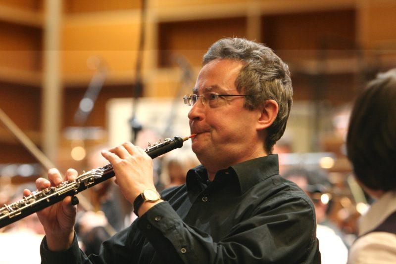 Jürgen Evers, Solooboist im Münchner Rundfunkorchester, bei einer Zwergerlmusik im Studio 1 des Bayerischen Rundfunks (Credit Helmut Reiser)